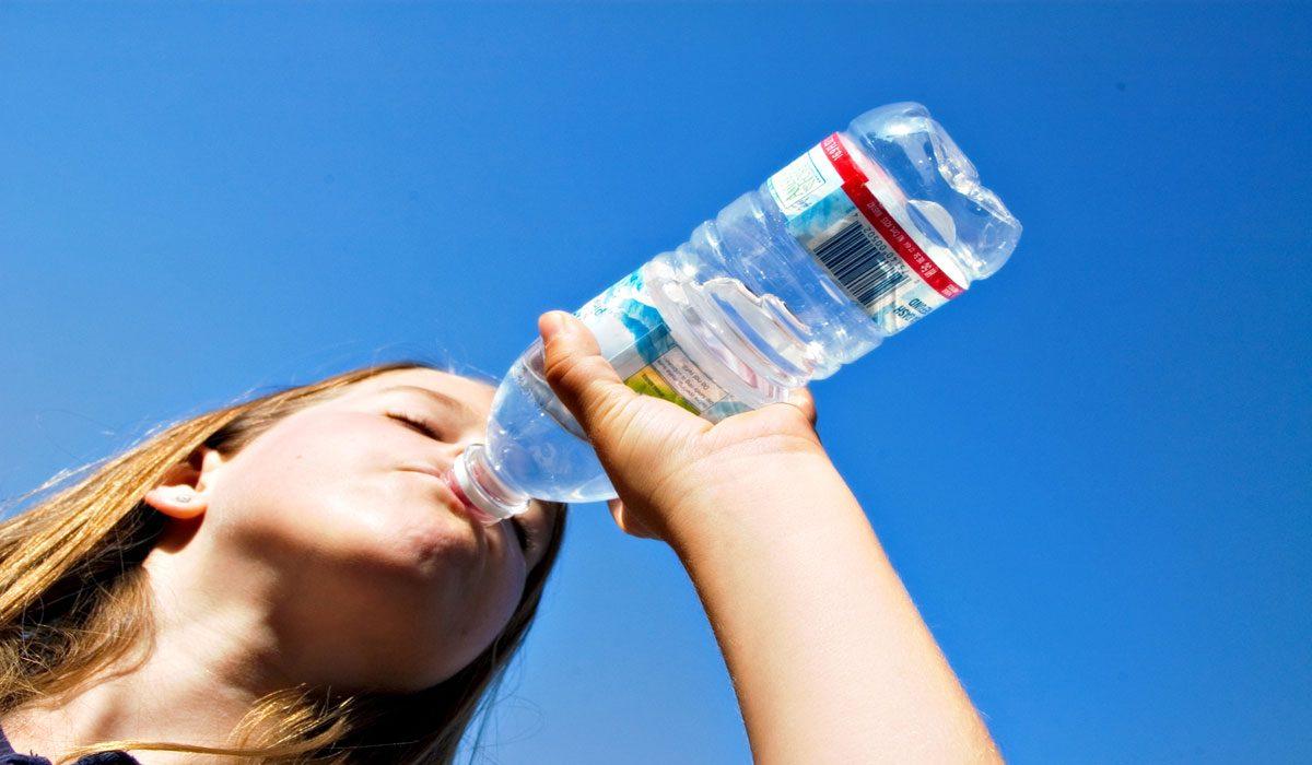 Su Kilo Kaybetmeye Yardımcı Olur Mu?