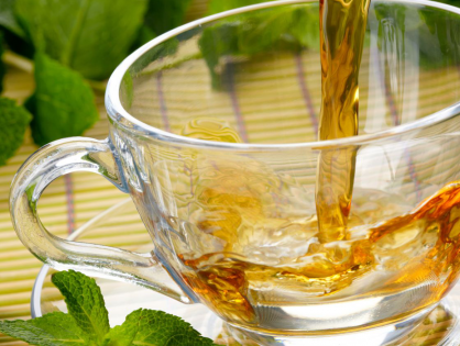 Yeşil Çayın Sağlık Yararları ve Yan Etkileri Üzerindeki Araştırmaları İnceliyoruz